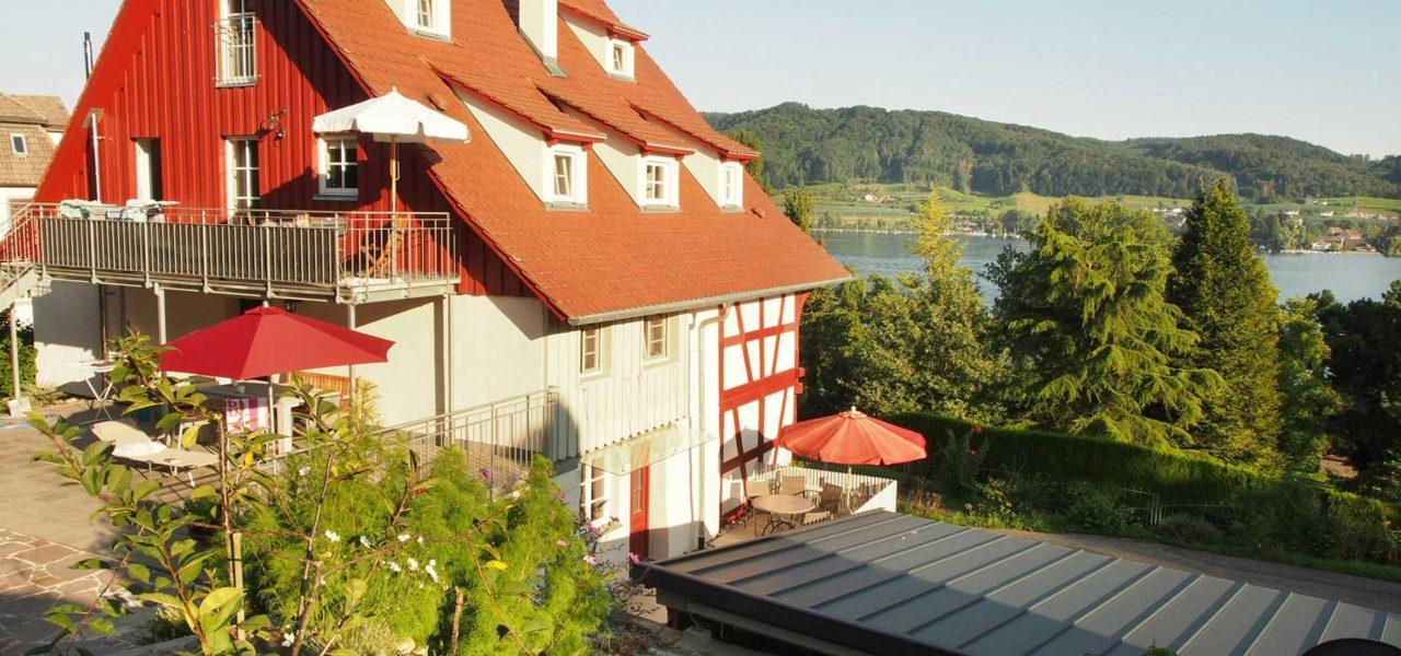 Außenansicht des Ferienhaus mit Sicht auf den Bodensee