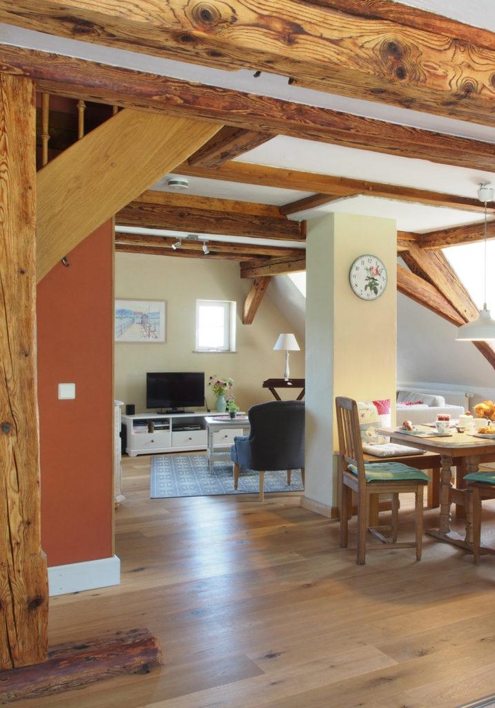 Küche der Ferienwohnung im Dachgeschoss in Öhingen am Bodensee