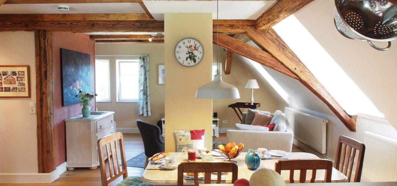 Großen offenen Wohnküche der Ferienwohnung im Erdgeschoss